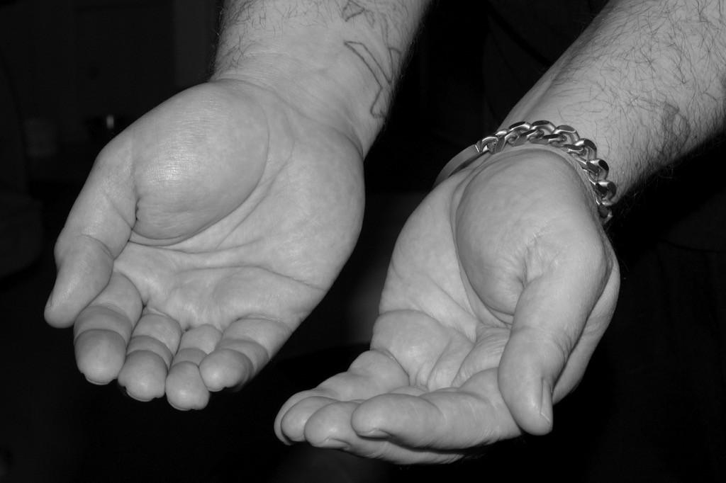 hands-begging